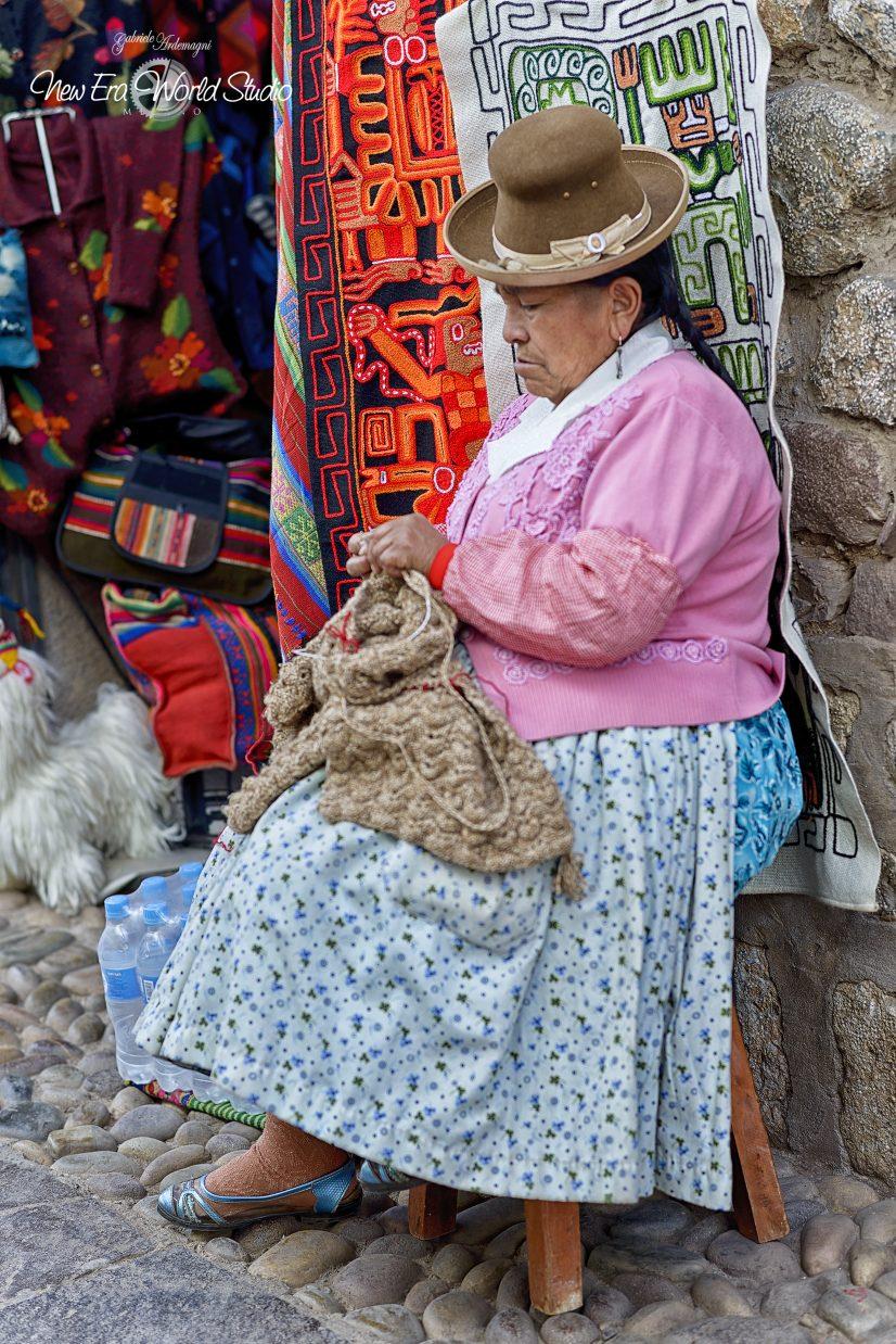 Wool Seller in Cuzco Foto by Gabriele Ardemagni