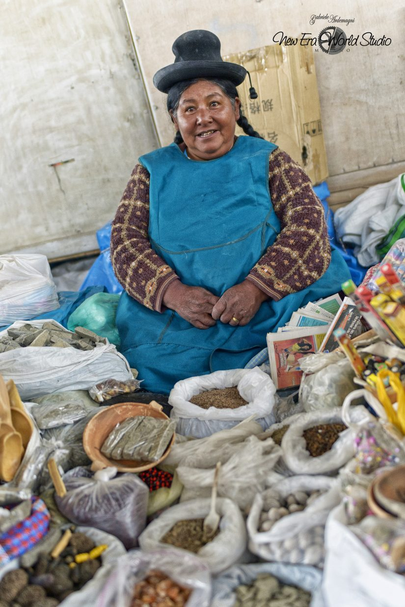 Medical Spice Seller in Cuzco Foto by Gabriele Ardemagni