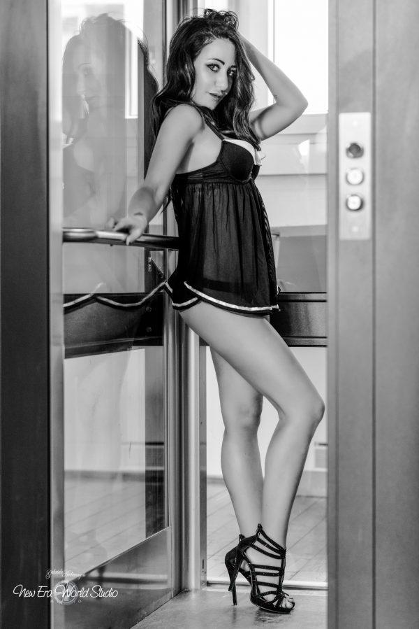 Emanuela Iaquinta elevator 1 Foto by Gabriele Ardemagni