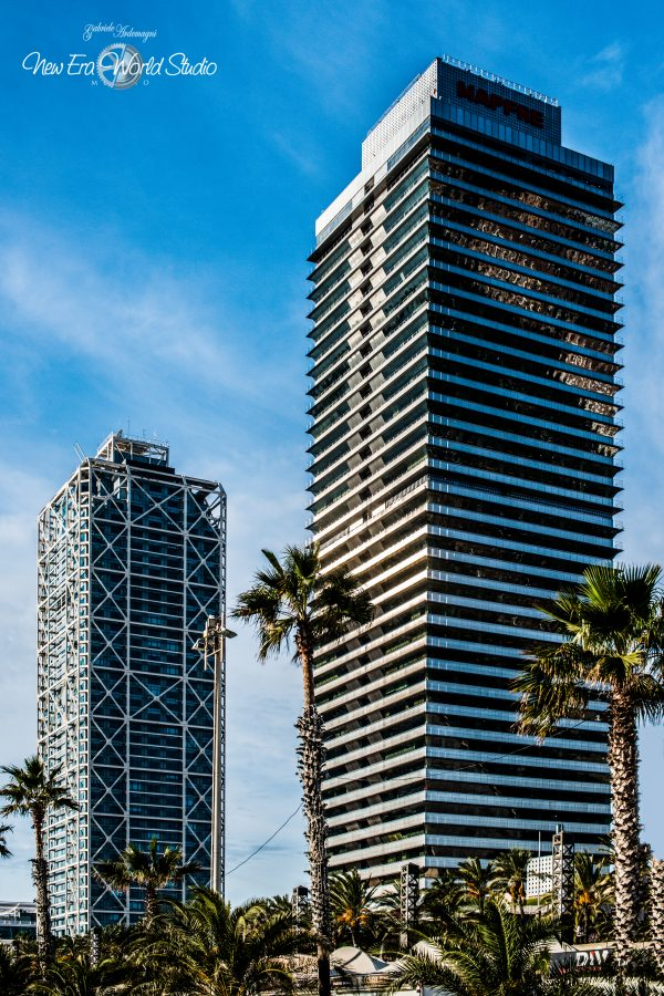 Hotel Arts e Mapfre Tower Port Olimpic Barcelona Spain Foto by Gabriele Ardemagni
