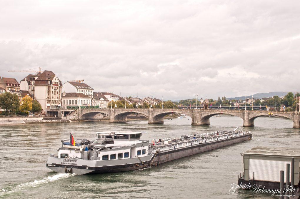 Basel Swiss Reno River Foto by Gabriele Ardemagni