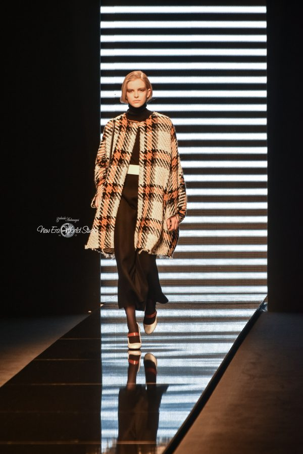 Anteprima runway Milan Women Fashion Week 2017 FW2017/2018 23/02/2017 Soon all pics in my site and social www.gabrieleardemagni.com