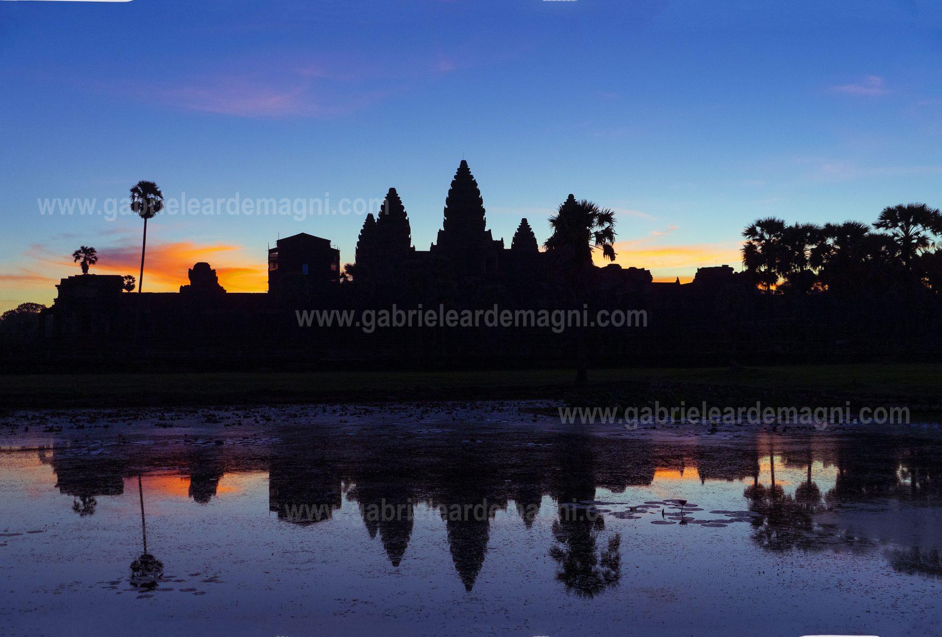 Angkor Watt dawn photo gabriele ardemagni